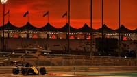 Daniel Ricciardo v tréninku v Abú Zabí