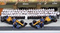 Tým McLaren v Abú Zabí