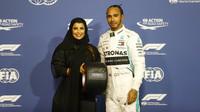 Lewis Hamilton zvítězil v kvalifikaci v Abú Zabí