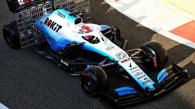 Geroge Russell po sezóně 2019 během testu pneumatik v Abú Zabí
