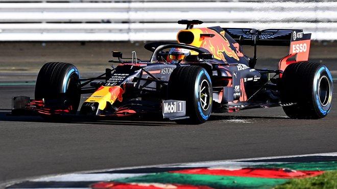 Max Verstappen s novým Red Bullem už na trati
