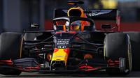 Max Verstappen s novým Red Bullem RB16 v Silverstone