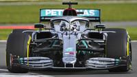 Druhý den testů v Barceloně: Räikkönen nejrychlejší, Mercedes předvedl geniální fintu - anotační obrázek