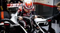 Kevin Magnussen při předsezonních testech s vozem Haas VF-20 Ferrari v Barceloně