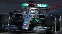 Valtteri Bottas při předsezonních testech s vozem Mercedes F1 W11 EQ Performance v Barceloně