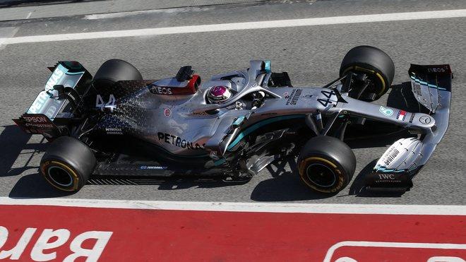 Lewis Hamilton ve středu v Barceloně diktoval tempo