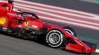 ŽIVĚ: Poslední den testů - odhalí týmy více? Dopoledne opět nejrychlejší Ferrari - anotační foto