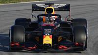 Max Verstappen při předsezonních testech s vozem Red Bull RB16 - Honda v Barceloně