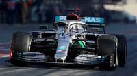 Lewis Hamilton během předsezonních testů v Barceloně