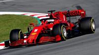 Sebastian Vettel v rámci třetího dne předsezonních testů v Barceloně