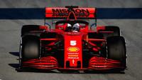 Sebastian Vettel loni i přes status jedničky prohrál s nováčkem u Ferrari - s Charlesem Leclercem