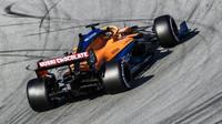 Carlos Sainz během předsezónních testů v Barceloně