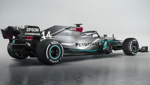 """""""Nový Mercedes má mnohem více přítlaku než loni, hodně se zvýšil i výkon motoru,"""" prozrazuje Allison - anotační obrázek"""