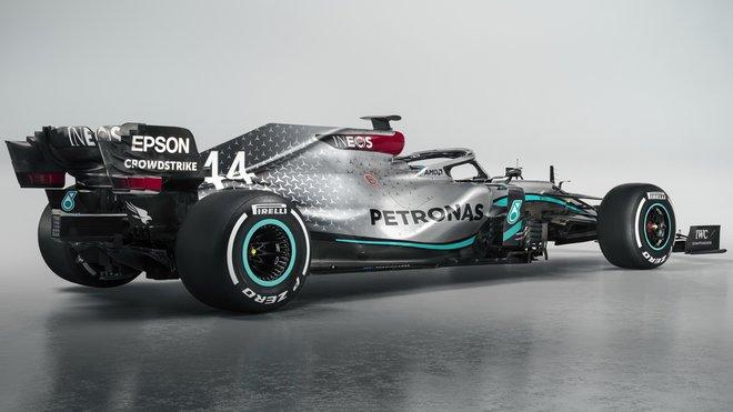 Získá Mercedes 7. titul v řadě?