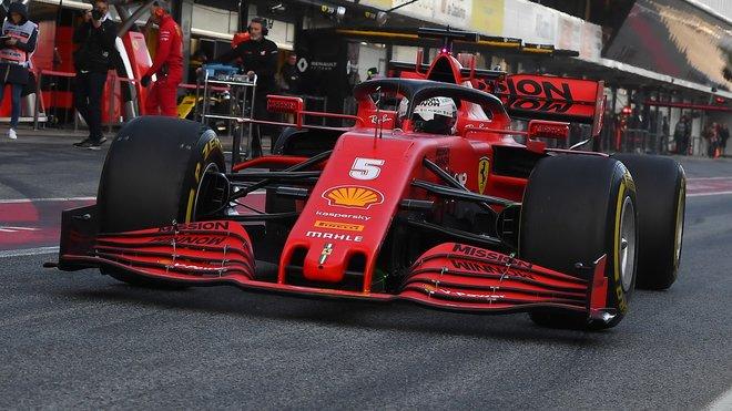 Sebastian Vettel v rámci prvního dne druhých předsezonních testů v Barceloně