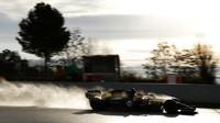 Esteban Ocon v rámci druhého dne druhých předsezonních testů v Barceloně