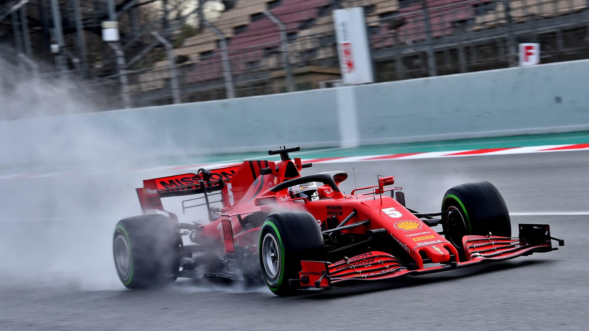 Současný šéf Ferrari Mattia Binotto neposkytuje Sebastianovi Vettelovi takovou podporu, jakou by pilot očekával