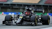 Platy se snížily i jezdcům F1 v Renaultu, zaměstnanci mají volno - anotační foto