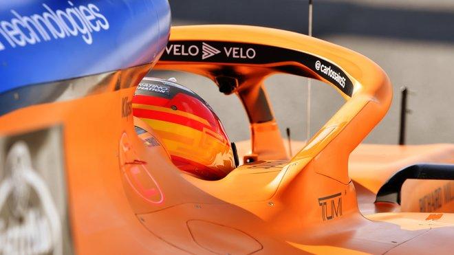 Carlos Sainz v rámci třetího dne druhých předsezonních testů v Barceloně