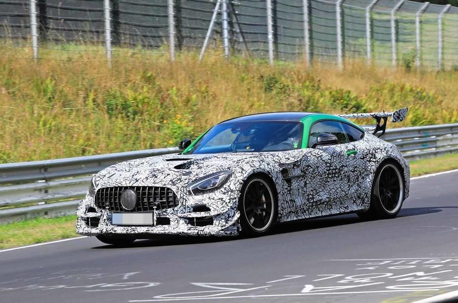 Mercedes-AMG GT Black Series, trojcípá hvězda míří na zákazníky Lamborghini a Ferrari - anotační obrázek