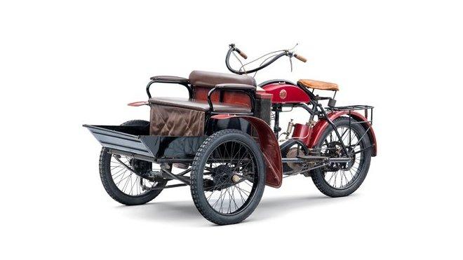 Praktické tříkolky Laurin & Klement LW se vyráběly v letech 1905 – 1911
