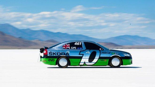 Škoda Octavia s turbomotorem 2,0 l dosáhla na solných pláních v Bonneville rychlosti 365 km/h