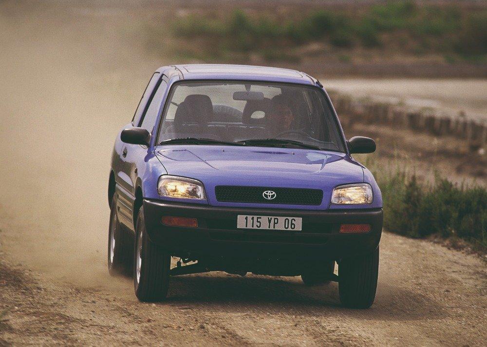Toyota RAV4 se poprvé představila v roce 1994 jako první městské SUV na světě