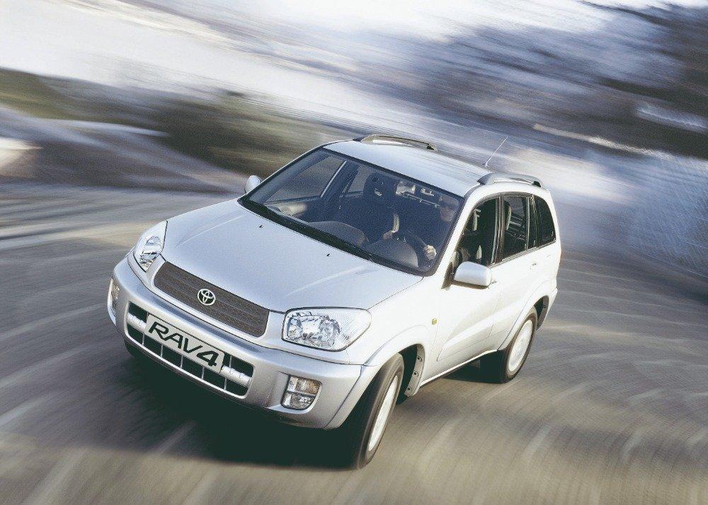 Toyota RAV 4 druhé generace byla představena v roce 2000 a těžila z bohatých zkušeností