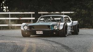 Starý Mustang se proměnil ve stylový rat rod - anotační obrázek