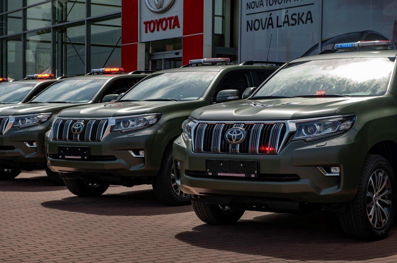 Policie ČR převzala prvních 12 terénních vozů Toyota Land Cruiser - anotační obrázek