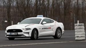 Autoškola jinak, aneb naučte se řídit ve Fordu Mustang GT! - anotační obrázek
