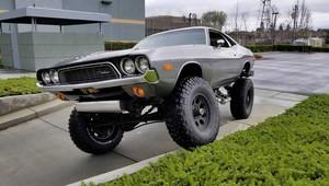 Na prodej je kříženec Dodge Challengera a armádního Chevroletu Blazer - anotační obrázek