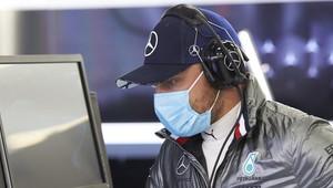 Valtteri Bottas nadále na Hamiltona ztrácí
