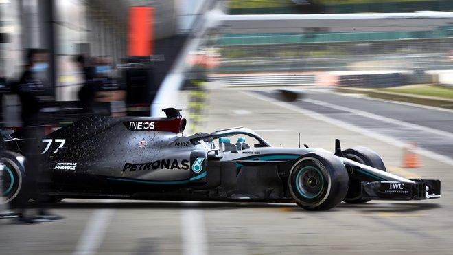 Valtteri Bottas během soukromého testu Mercedesu v Silverstone