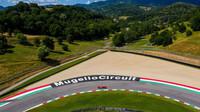 Ferrari během testování v Mugellu