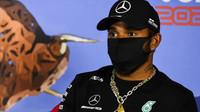 Lewis Hamilton ve čtvrtek při tiskovce GP Rakouska