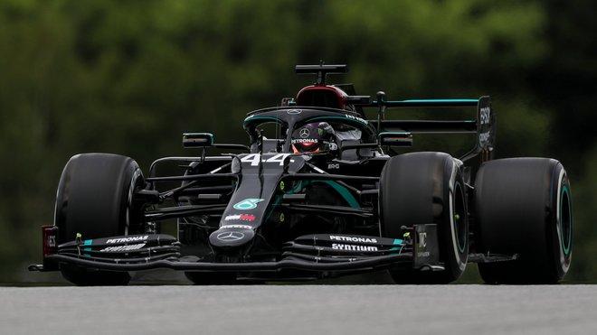 Lewis Hamilton si po neúspěchu před týdnem spravil chuť