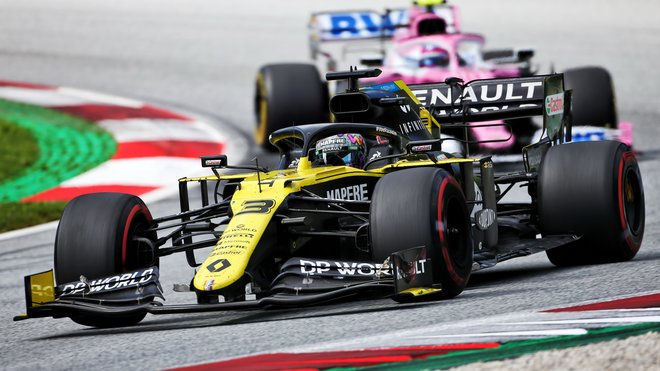Ricciardo dokázal Strollovi dlouho odolávat