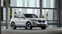 BMW iX3 lze objednávat od konce července za cenu od 1 859 000 Kč