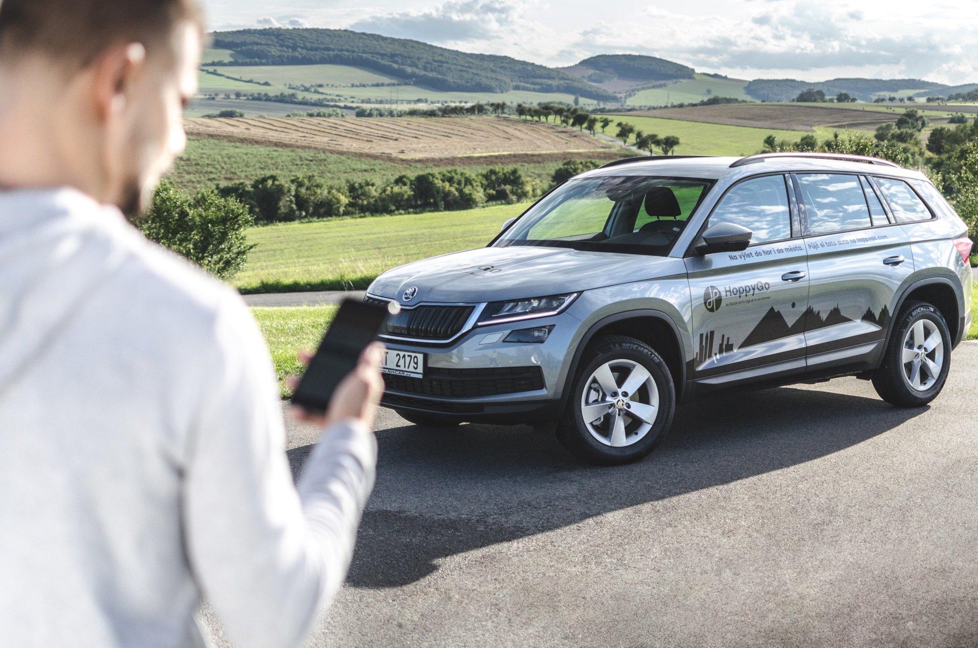 Sdílená mobilita se v ČR stává fenoménem, HoppyGo navyšuje kapacitu a nabírá nové majitele vozů - anotační obrázek