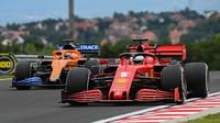 Sebastian Vettel a Carlos Sainz na Hungaroringu