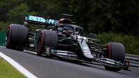 Lewis Hamilton v úvodním tréninku na GP Maďarska 2020