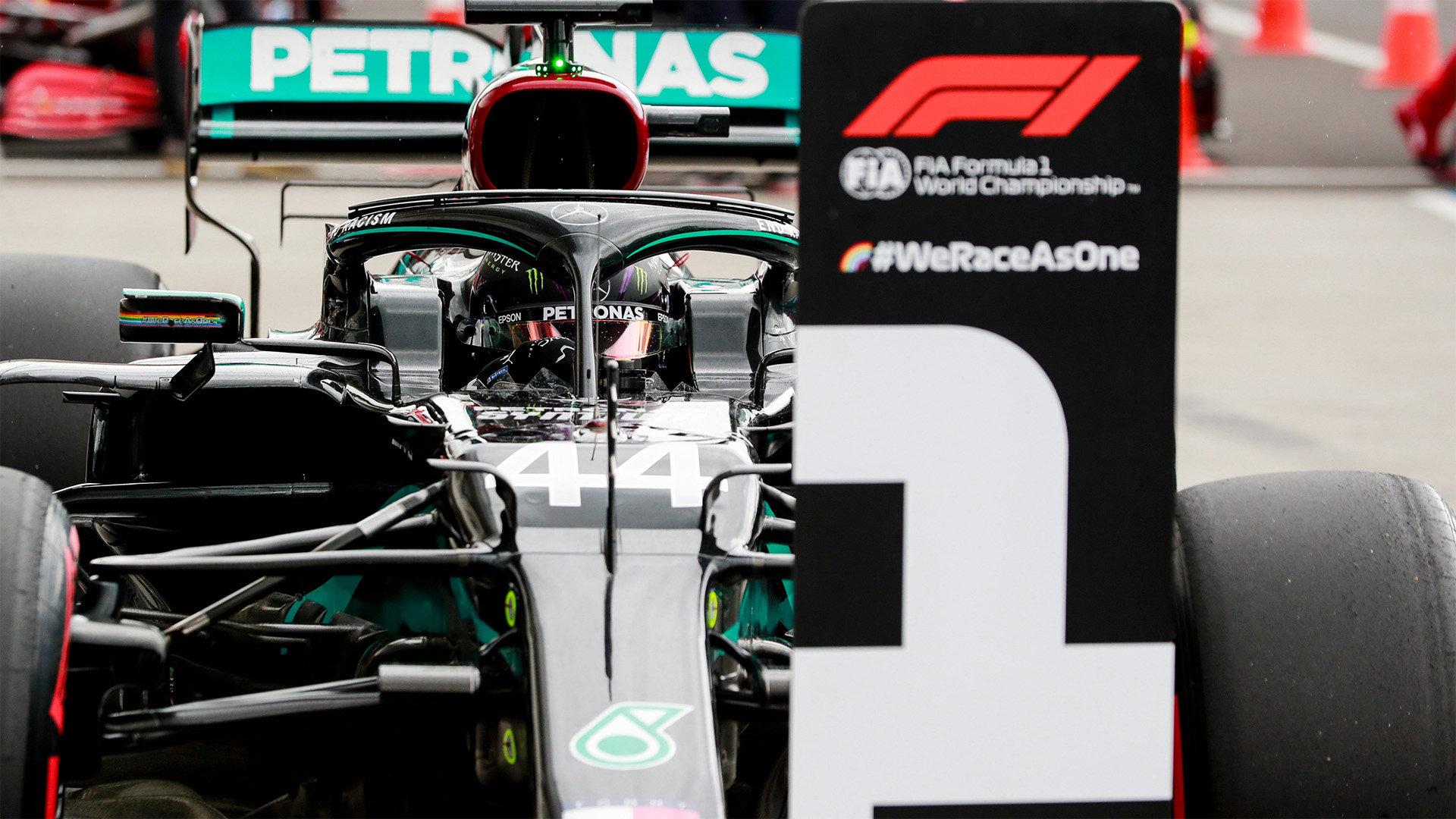 Lewis Hamilton pokračuje v překonávání rekordů