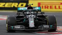 Valtteri Bottas v závodě v Maďarsku
