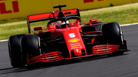 Sebastian Vettel v závodě v Silverstone