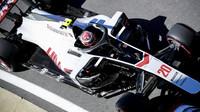 Kevin Magnussen v tréninku v Silverstone