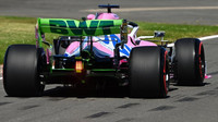 FOTO: Páteční tréninky v Silverstone, tempo opět udávaly černé Mercedesy - anotační obrázek