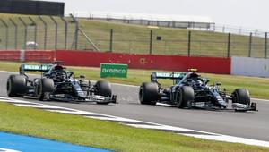 Red Bull chce, aby FIA prověřila roli Mercedesu v případu kopírování Racing Pointu, Wolff půjde k soudu rád - anotační obrázek