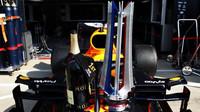 Trofej Maxe Verstappena za první místo v závodě v Silverstone