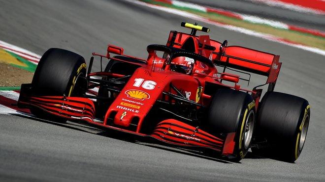 Charles Leclerc s Ferrari SF1000 v Barceloně